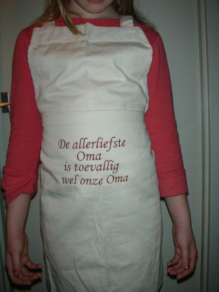 keukenschort met geborduurde tekstA